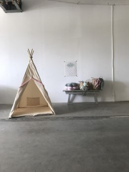 "Teepee natural Tent with ""pink Pompom"""