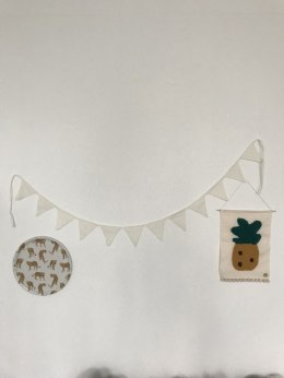 Vanilla Triangular garland with LNU